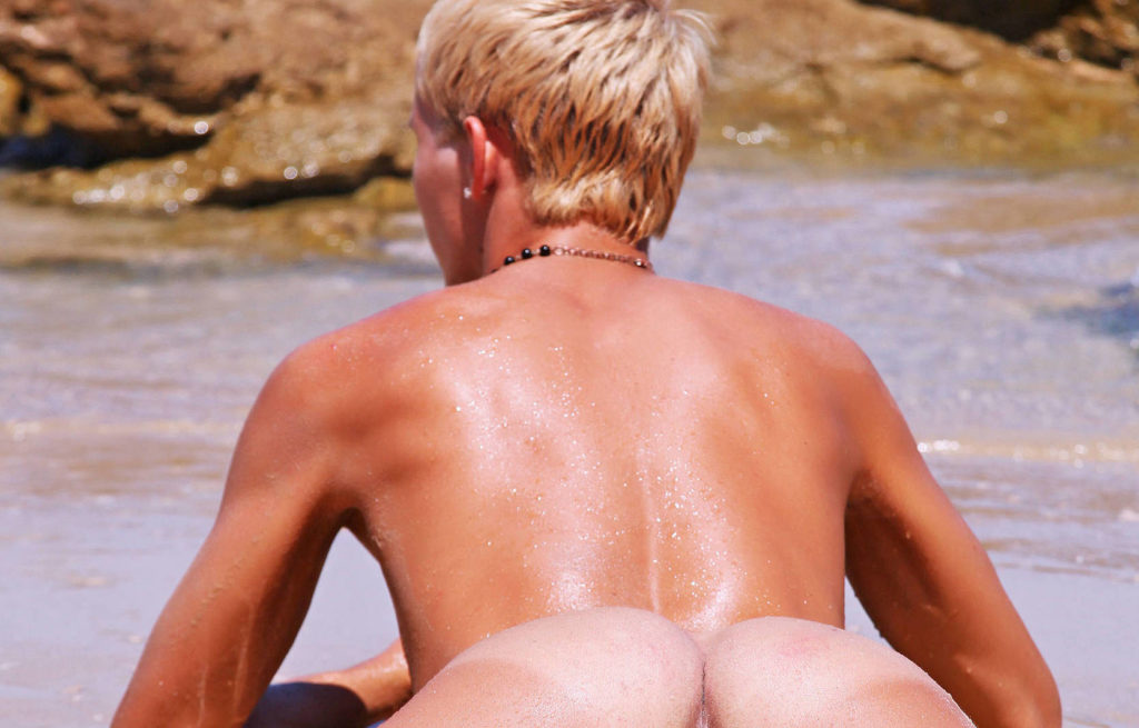 AndysBestSites Cody At The Beach EnigmaticBoys