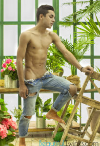 AndysBestSites Benvenuto In The Garden At BeautifulTwinks!